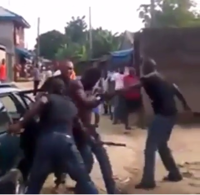 Technology Viral News: Police Brutalise Man In Rivers Video Clip Goes Viral(watch