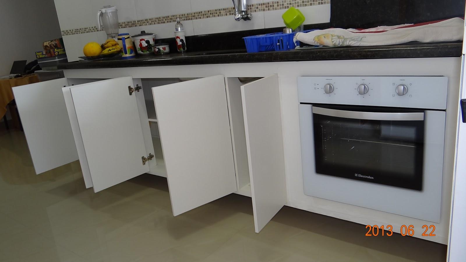 Gabinete pia cozinha com forno elétrico embutido em MDF branco com 5  #203377 1600 900