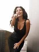 . per l'insindacabilità, provocando le critiche dell'attrice al Partito . (sabrina ferilli black dress smiling)