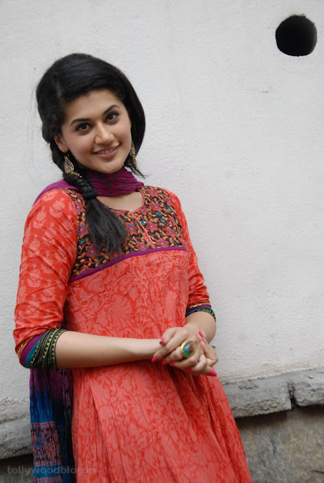taapsee pannu gorgeous photo gallery