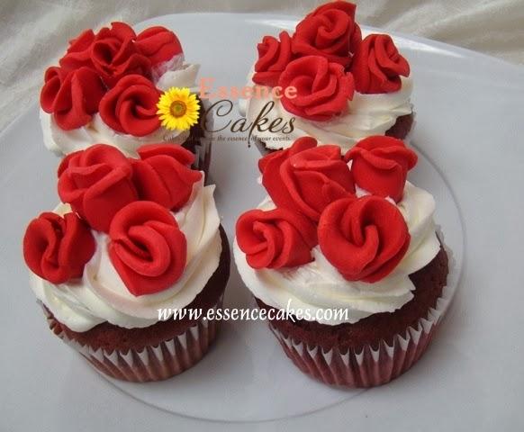 Mini Roses Red Velvet cupcakes
