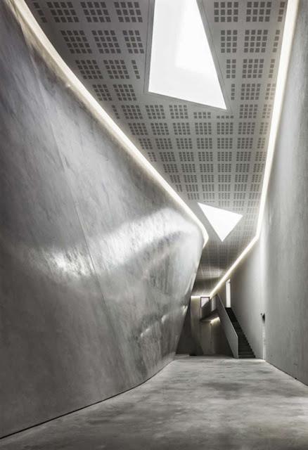 06-The-Teatrino-of-Palazzo-Grassi-by-Tadao-Ando