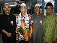 YB DR CHE ROSLI CHE MAT MERAIKAN EIDULFITRI DI SURAU ASSOBIRIEN TAMAN SRI RAYA PADA 31/08/2013.