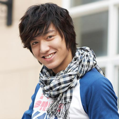 Oblique Bangs Korean medium hairstyle for men
