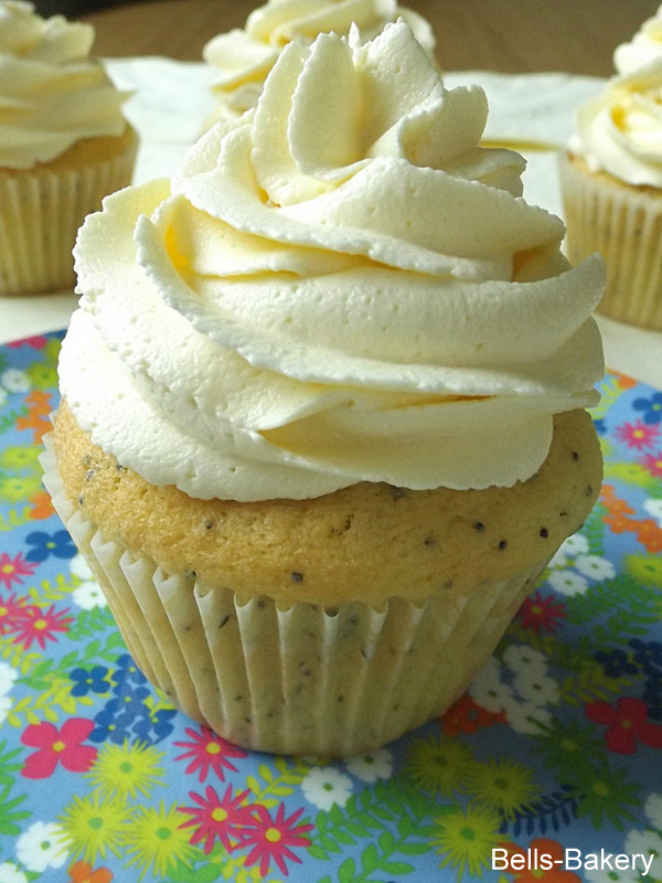 Bells Bakery: Lemon and Poppy Seed Cupcakes with Vanilla ...