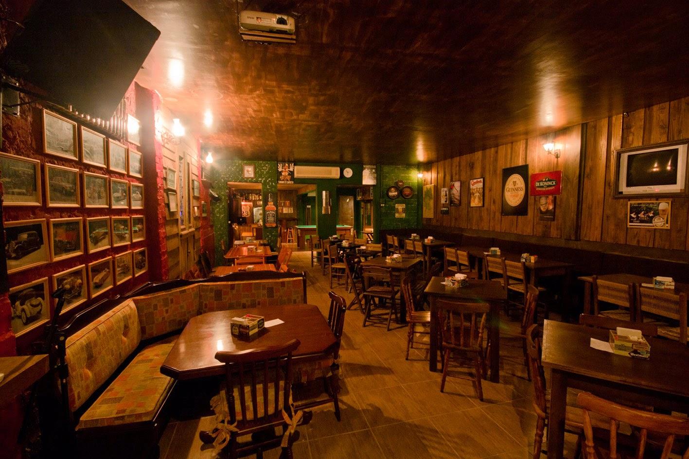 Allforfood l importanza dell arredo del pub per ricreare for Arredare un bar con pochi soldi