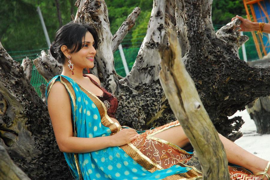 glorious ramya latest hot new spicy stills photos