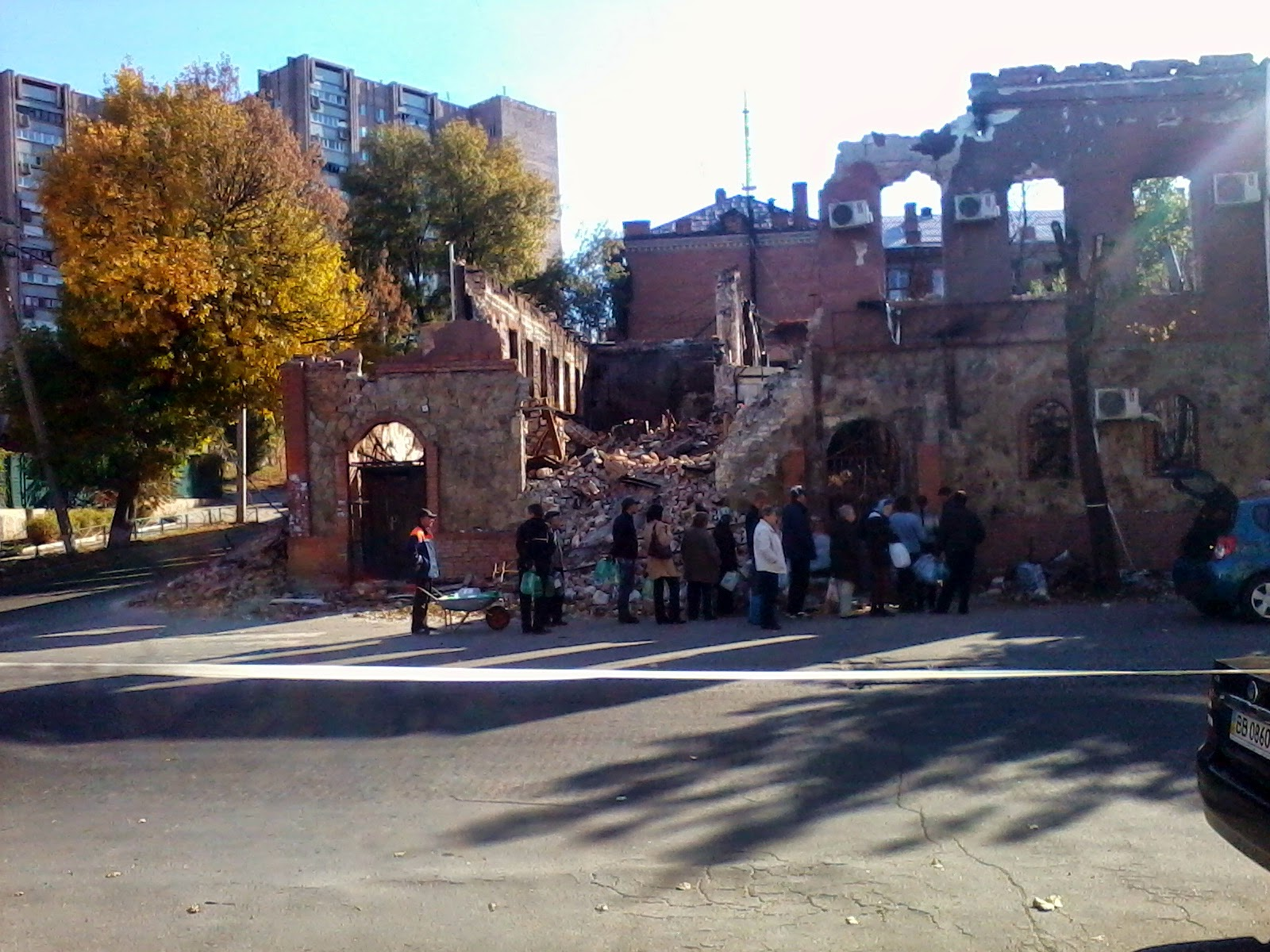 Фото разрушений в центре луганска 2