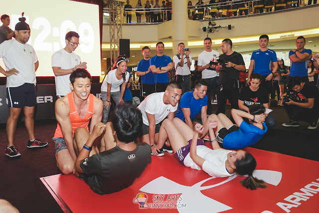 Media friends and Under Armour Athletes in the challenge to earn their armour