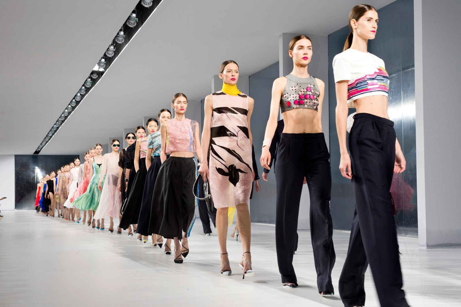 Espectacular el primer desfile de Dior Cruise Collection