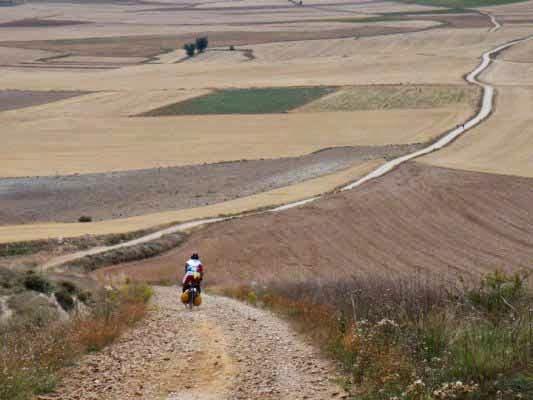 http://www.bikeitalia.it/2011/12/13/cammino-di-santiago-in-bicicletta-10-domande-prima-di-partire/