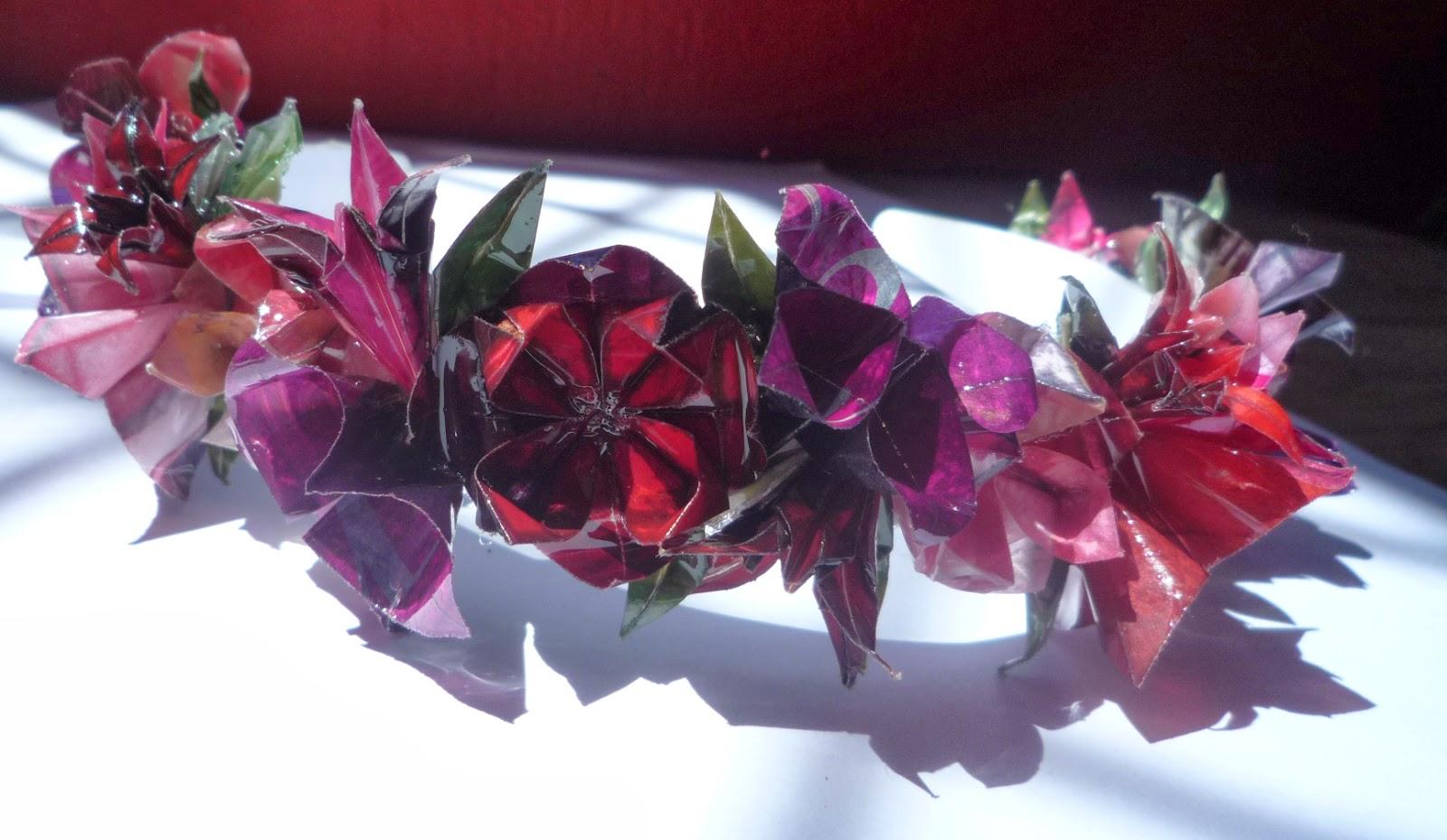 Diademas papel origami y tela reciclaje botellas - Papel y telas ...