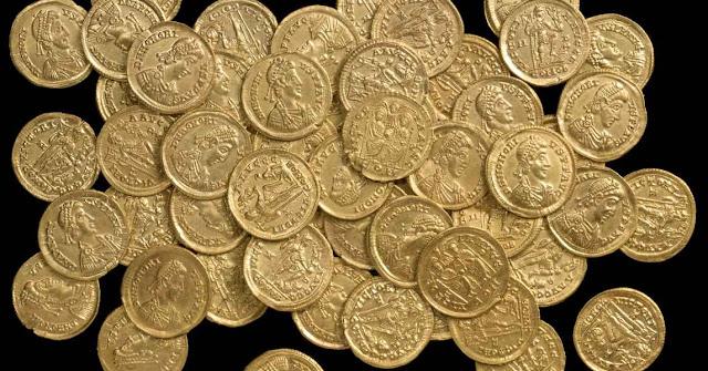 Dinero y Derecho romano