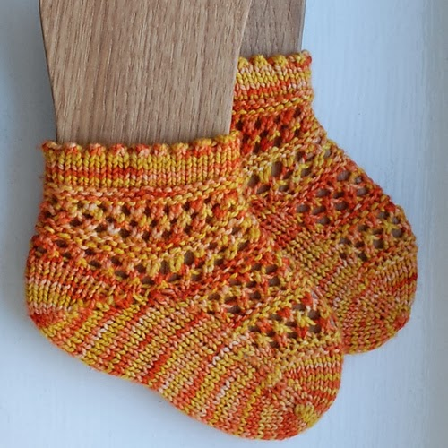 Heidi bears phalanges is a little lace sock knit toe up that has a short row heel and boasts a gorgeous little folded picot cuff fandeluxe Choice Image