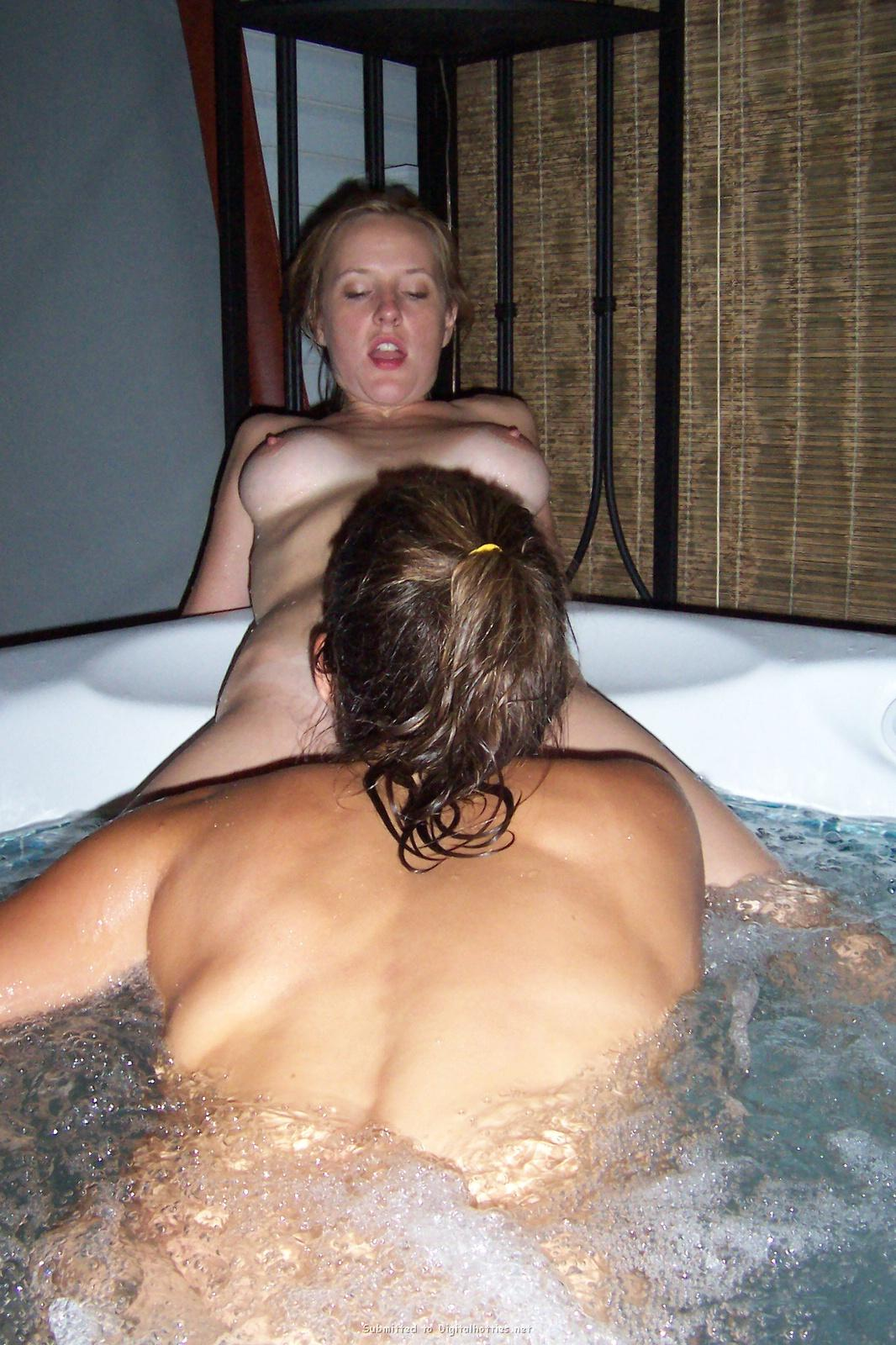 nude amature milf hot tub