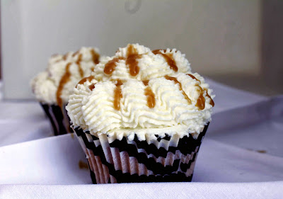 Receta Cupcakes rellenos de caramelo y crema mascarpone