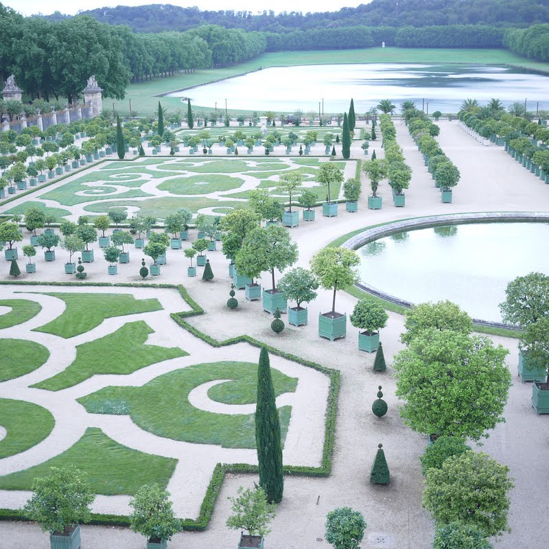 Style yes into the jardin ch teau de versailles for Jardin de versailles