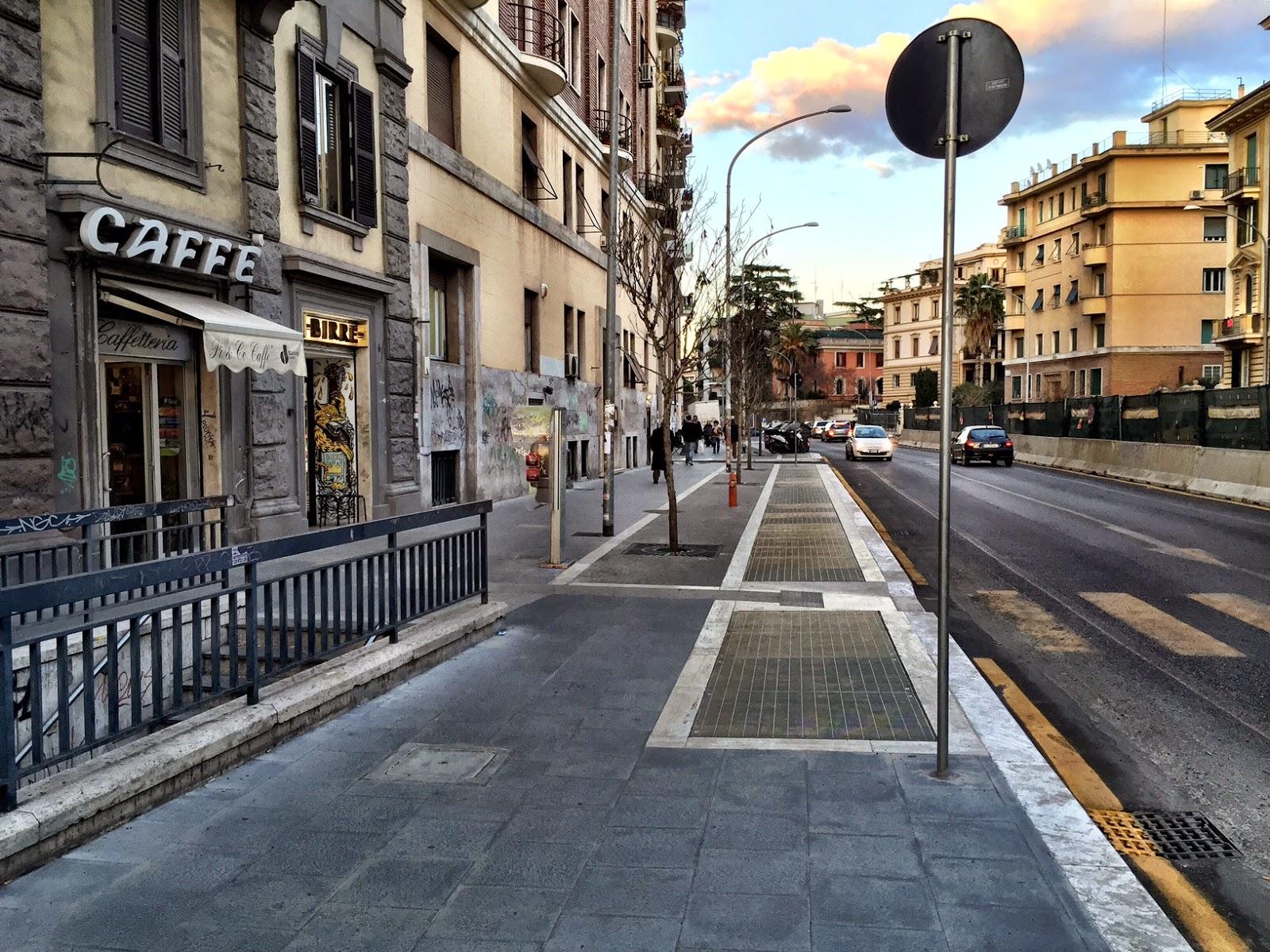Roma fa schifo largo vercelli grazie al nuovo parcheggio for Arredo urbano roma