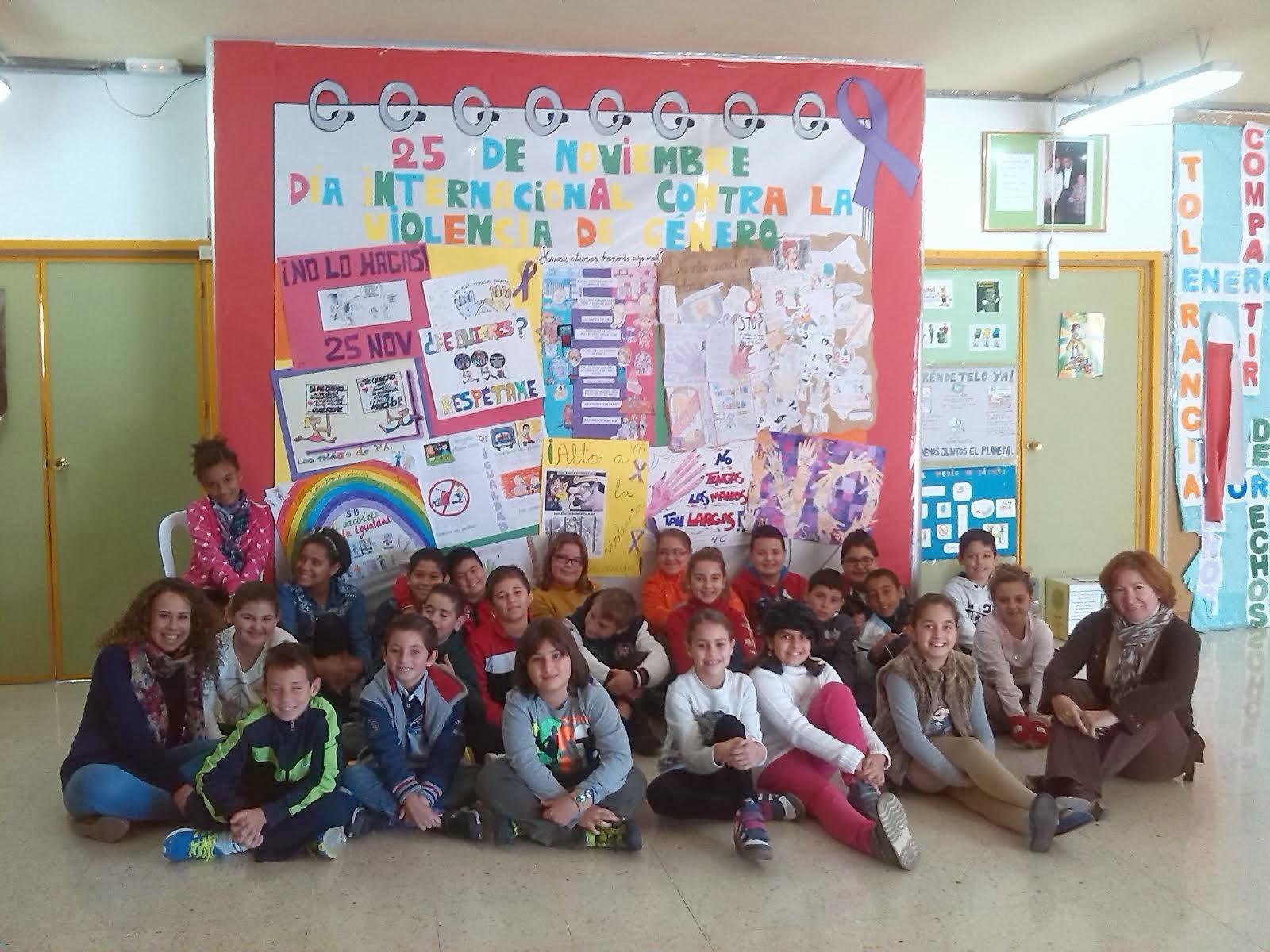 El diario de la clase 25 de noviembre d a contra la for El periodico mural wikipedia