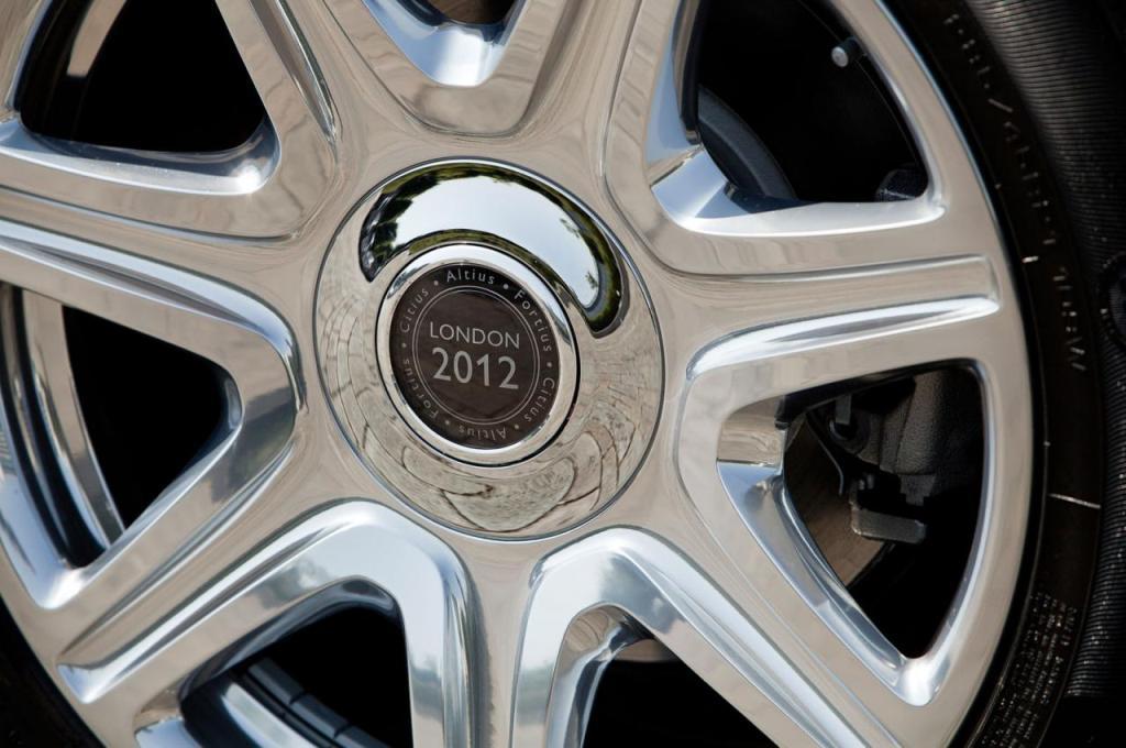 Rolls-Royce+Phantom+Drophead+Coup%C3%A9+1.jpg