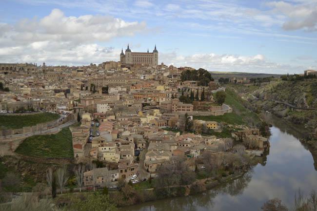 Toledo Rio Tajo colina