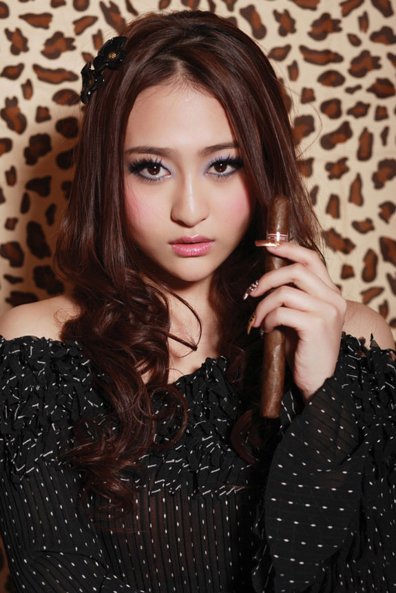 Yuan Ting Ting 袁婷婷 Chinese girl band 'Up Girls' Profile and ...