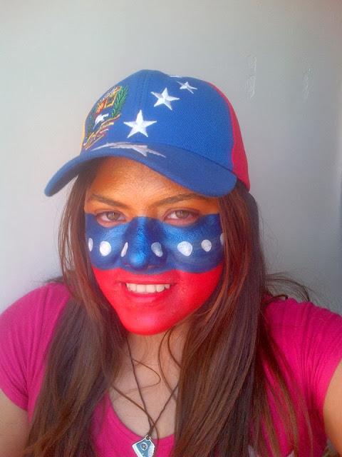 Bellisima manifestante venezolana.jpg