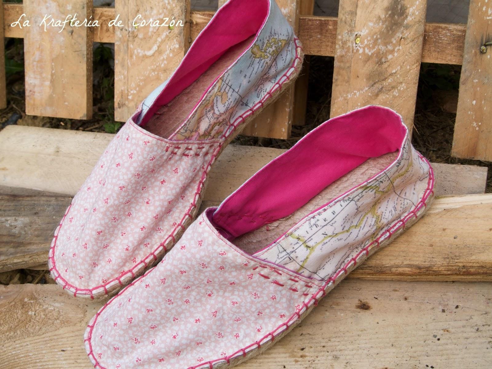 Es un calzado que seguro recuerdas de toda la vida y que se reinventa cada año para seguir conviviendo con las modas actuales, los tacones,
