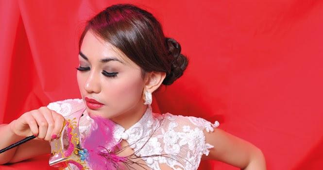 Bella Dina Model Majalah Popular, April 2012 | Majalah Popular