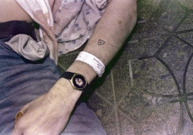 Kurt Cobain scena suicidio braccio