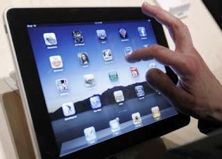 http://2.bp.blogspot.com/-RYlBMY2Nb50/TvFY233xlVI/AAAAAAAAA38/UamoXAE8Jo4/s320/Apple+Ipad+3.jpg
