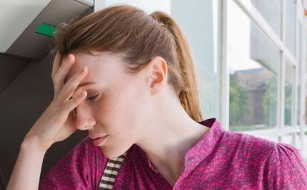 Hindari Makanan Ini Saat Migren Menyerang