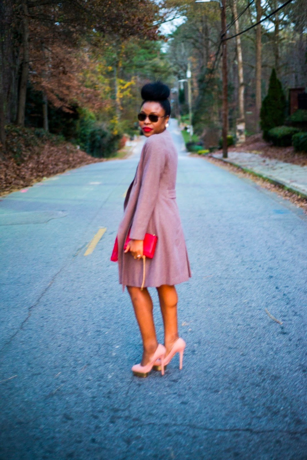Holiday Party look: The Lace Dress - Titi\'s Passion