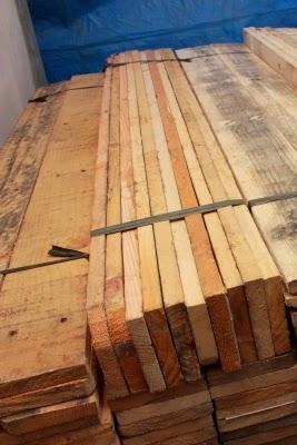 penjual kayu pinus