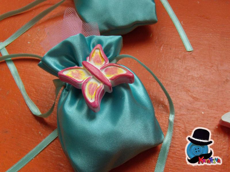 Sacchettino fai da te con farfalla per bomboniere for Foto calamita fai da te