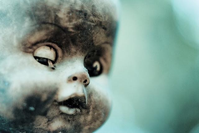 جزيرة الدمى المشوهه  Island-of-dolls-3%5B5%5D