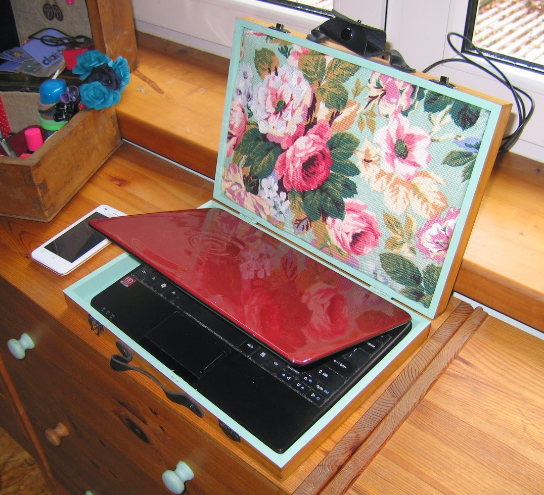 oryginalny futerał na laptopa