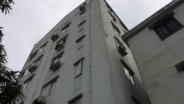 Tòa nhà chung cư mini Nhật Tảo Thang Máy giá rẻ và cổng vào rất tiện lợi