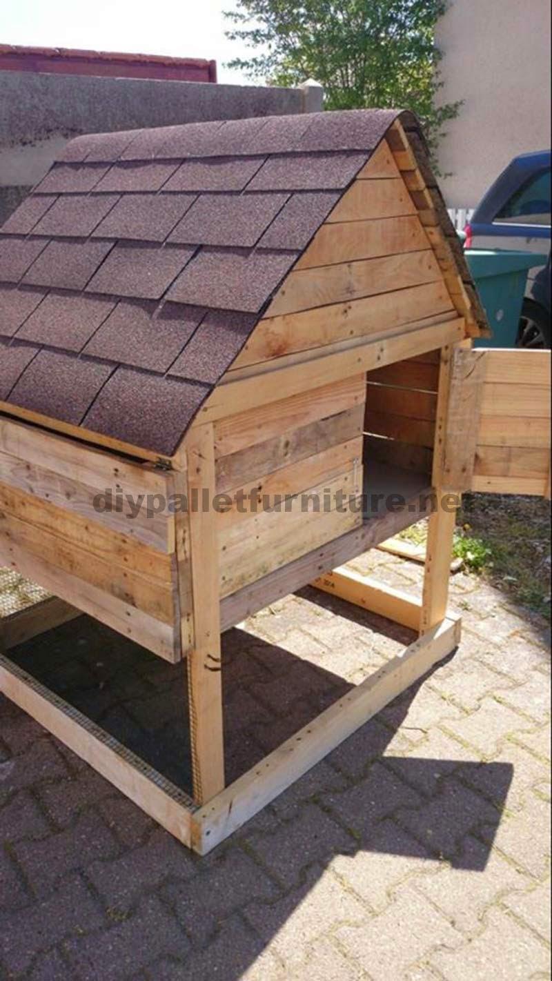 Gallinero tradicional con tablas de for Costruire un pollaio con i pallet
