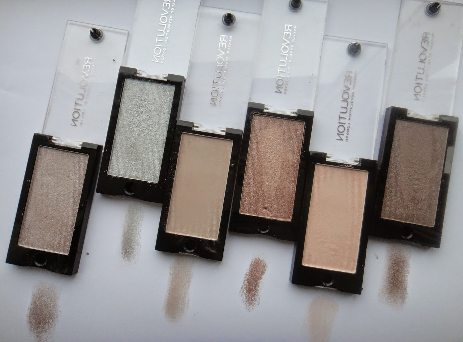 Makeup Revolution: Mono Eyeshadows @ http://emandhanxo.blogspot.co.uk