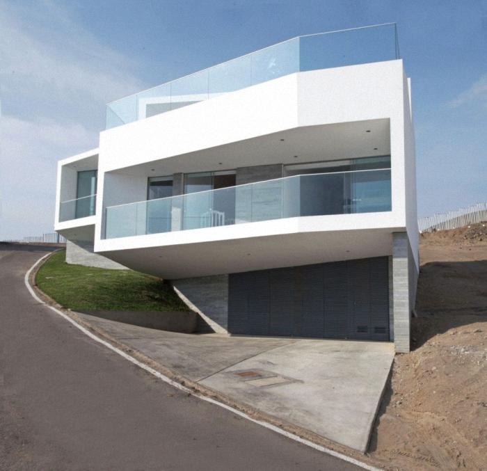 Hogares frescos casa moderna de vol menes con vistas al - Terrazas de casas segundo piso ...