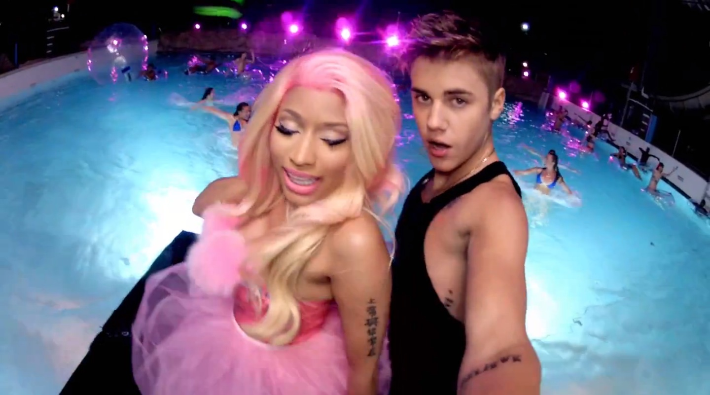 http://2.bp.blogspot.com/-R_-_cMYTVvc/UQ0z0SfZJKI/AAAAAAAAR28/0ZeE8WaQC-c/s1600/Lesdoit-Justin-Bieber-Nicki-Minaj-Beauty-and-the-Beat.jpg