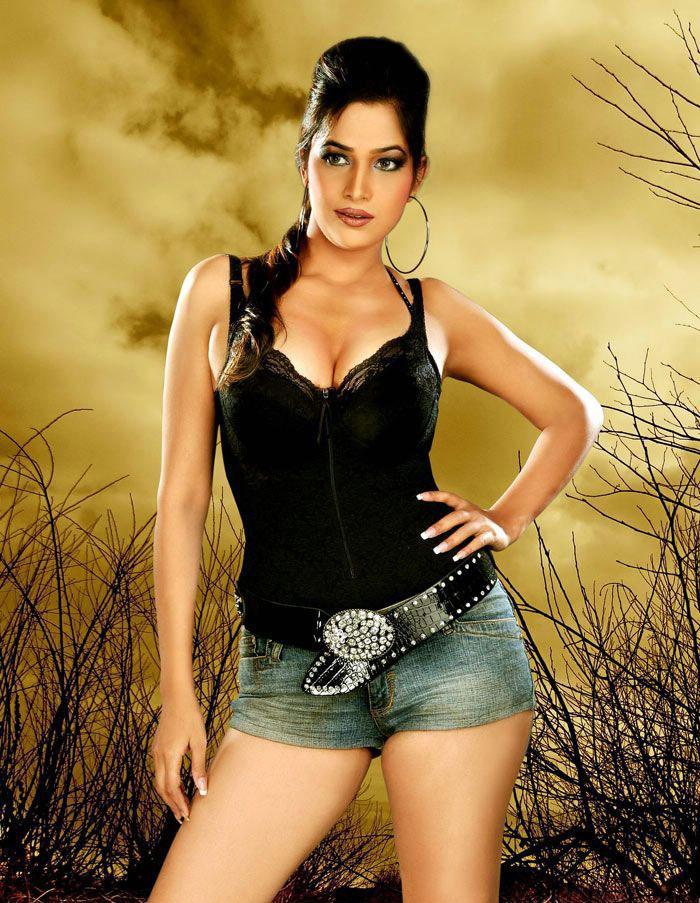 emma hindu singles Largest & most popular online dating site for hindus find like-minded hindu singles for love, date, romance & relationship meet hindu brahmin, kshatriyas, vaishya or shudra singles.