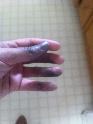 my crazy hands after spray painting i really should 39 ve worn gloves. Black Bedroom Furniture Sets. Home Design Ideas