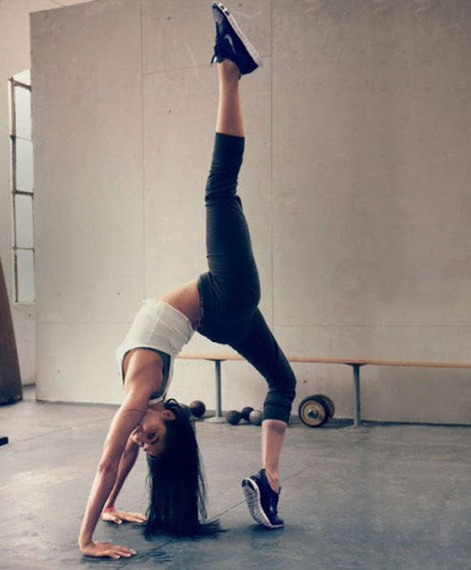 Stretched Girls
