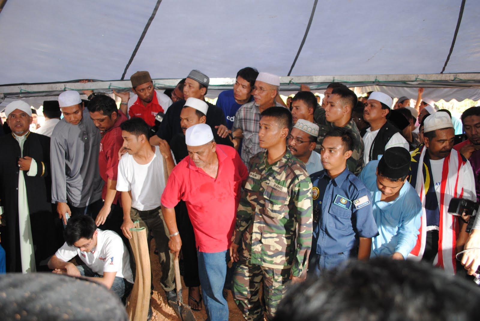 Gambar Noramfaizul Mohd Nor Selamat Disemadikan Al Fatihah
