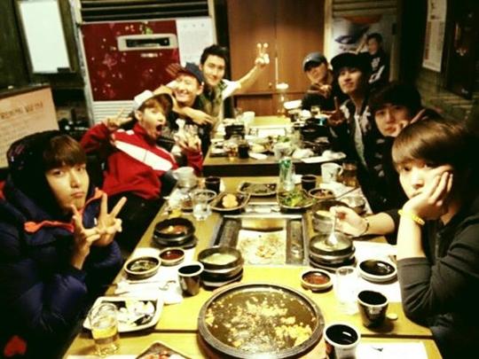 Super Junior-M Makan Malam Bersama