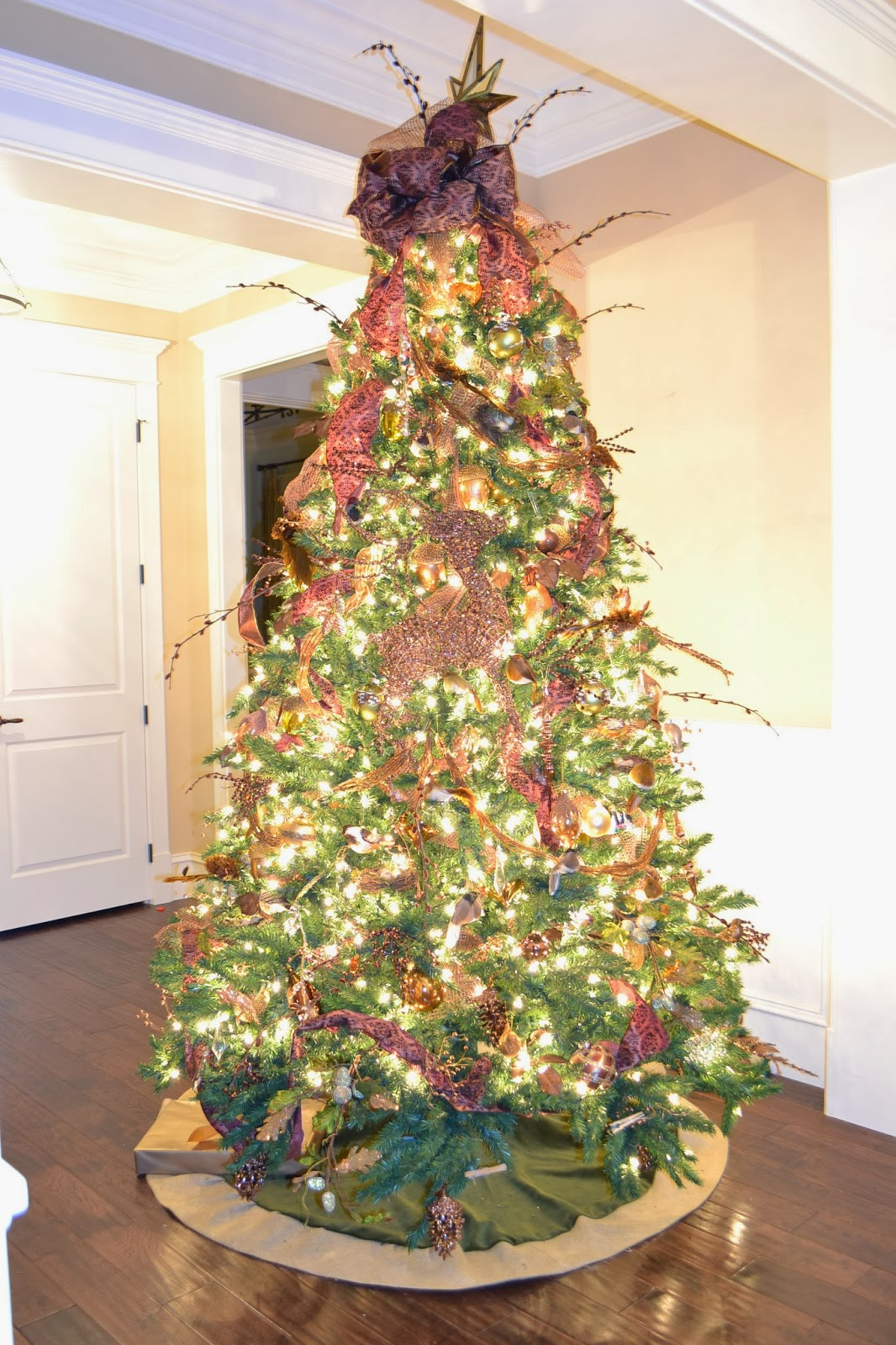 Decor you adore how to decorate your christmas tree like for How do you decorate a christmas tree