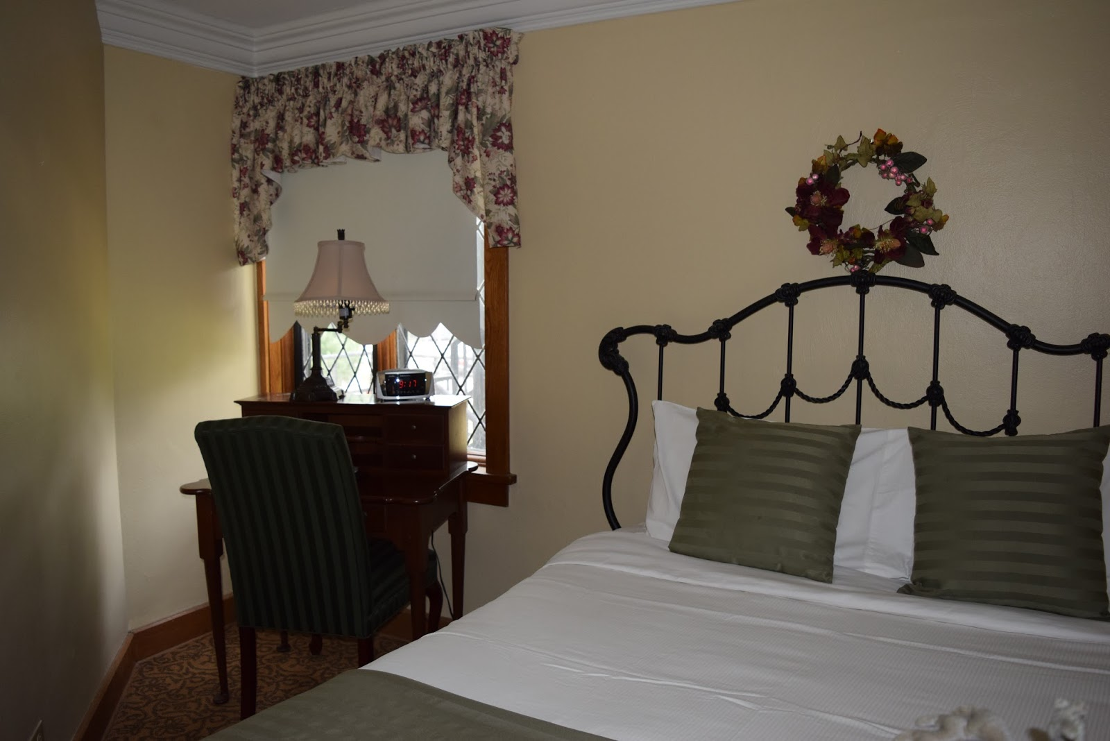Ohio State Bedroom Decor Punderson Manor State Park Lodge Beauty And History In Geauga