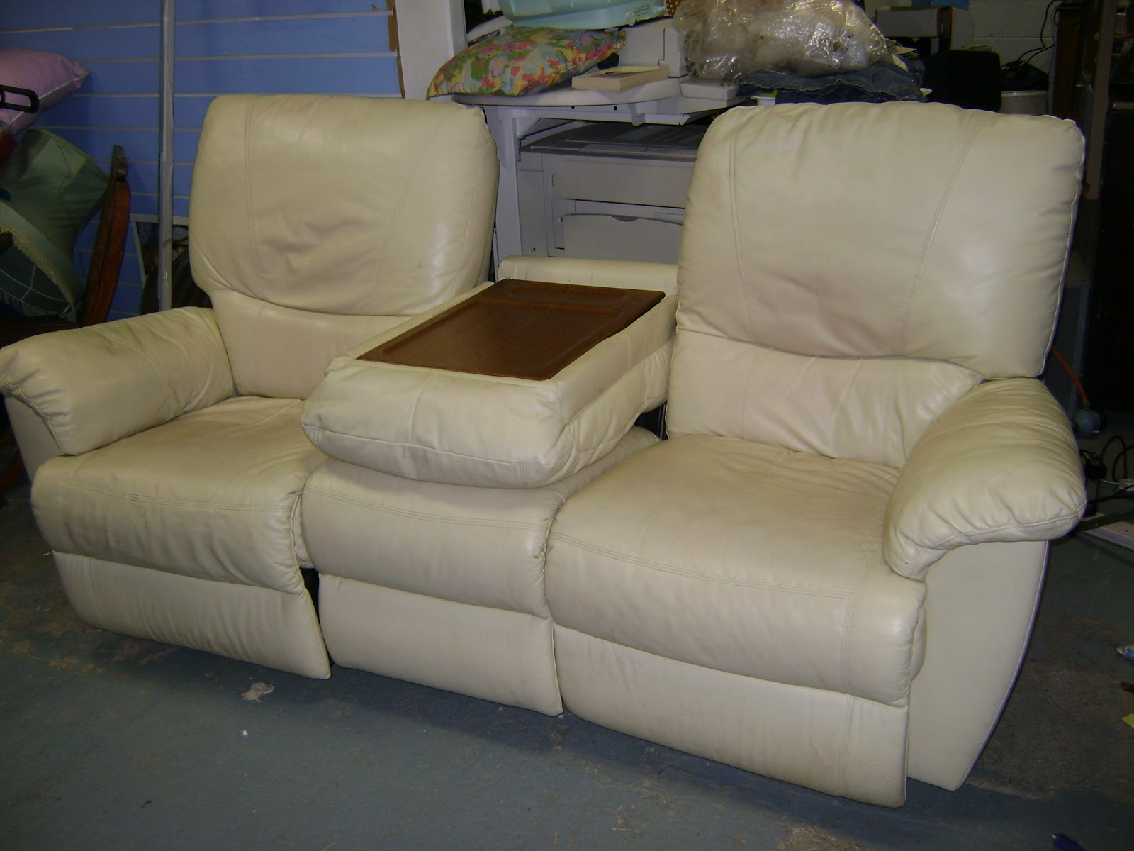 Deccie 39 s done deal second hand furniture house for Second hand sofas